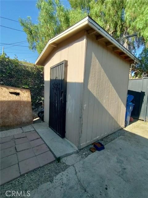 10402 Kalmia Street, Los Angeles CA: http://media.crmls.org/medias/bc776d5f-4342-4249-aac8-495d10f4525f.jpg