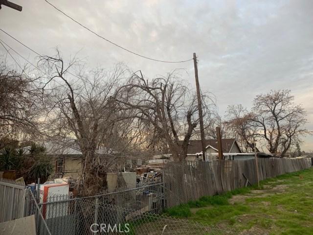 958 S Foisy Street, San Bernardino CA: http://media.crmls.org/medias/bc7d7656-b23a-41b0-ba42-6d756e5674ec.jpg