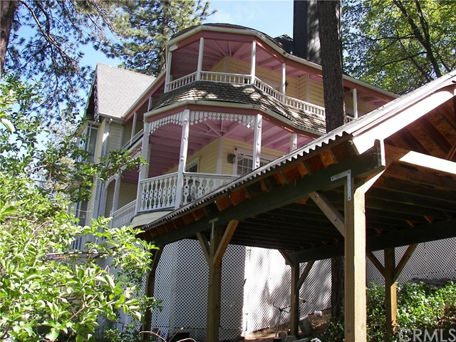 Single Family Home for Sale at 450 Dart Canyon Road N Crestline, California 92325 United States