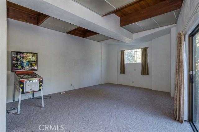 570 Raymond Avenue, Santa Maria CA: http://media.crmls.org/medias/bc853f89-b1eb-4bd4-a84e-e63ee06b5c72.jpg