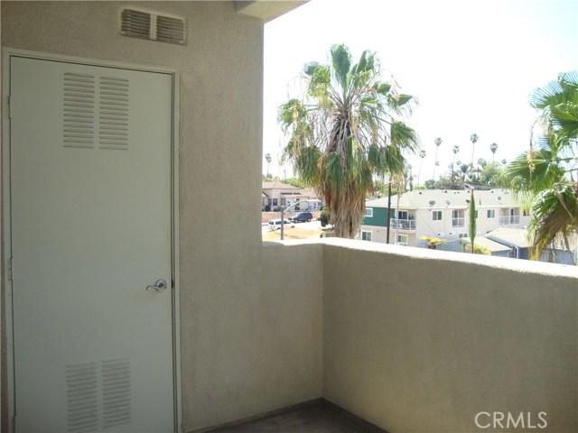 1437 Lomita Boulevard, Harbor City CA: http://media.crmls.org/medias/bc89cfaf-4442-443b-aa2f-ae6ca1912816.jpg