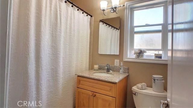 212 Catalina Avenue, Avalon CA: http://media.crmls.org/medias/bca6f3b6-11d5-44db-9e38-531aee325d95.jpg
