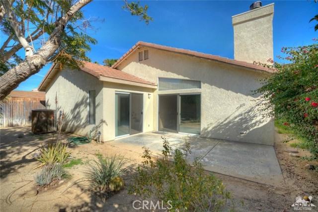 53725 AVENIDA MARTINEZ, La Quinta CA: http://media.crmls.org/medias/bca6f8eb-ecec-42f1-9a75-3f53ff90533d.jpg