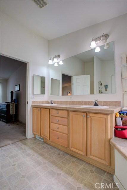7340 Carmellia Avenue, Dos Palos CA: http://media.crmls.org/medias/bcadee8e-7979-4256-b6e1-3a347384021f.jpg