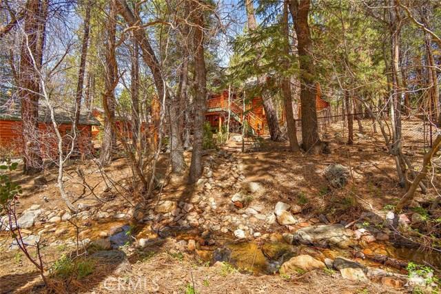 809 Oriole Drive, Big Bear CA: http://media.crmls.org/medias/bcb06e1b-4157-460e-90fe-7261e2e17961.jpg