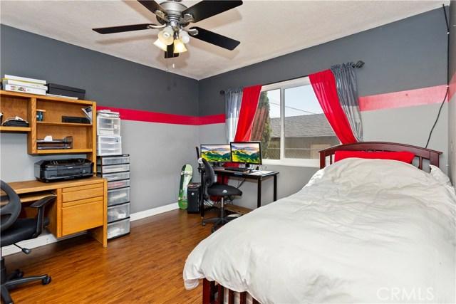 219 8th street, Norco CA: http://media.crmls.org/medias/bcb23f07-8e21-4c8d-ba9c-88f5ee437544.jpg