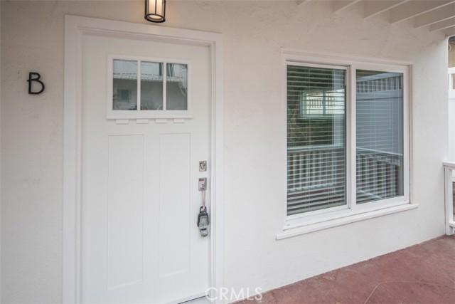 319 Cypress Drive, Laguna Beach CA: http://media.crmls.org/medias/bcb3e037-143b-45b1-b682-8bc298ecb05e.jpg