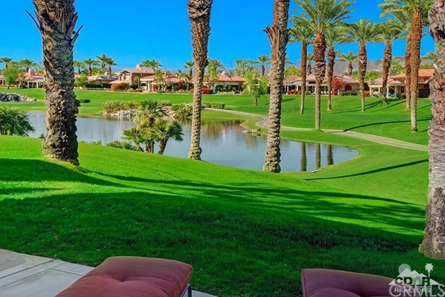 544 Desert Holly Drive, Palm Desert CA: http://media.crmls.org/medias/bcb5a4f7-2761-4e6b-9b58-d1b655591445.jpg