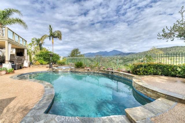 32 Barneburg, Rancho Santa Margarita CA: http://media.crmls.org/medias/bcb7fe34-2bd8-4520-97e9-9e5ce5143482.jpg