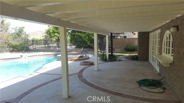 3019 Choctaw Avenue, Simi Valley CA: http://media.crmls.org/medias/bcbec8b3-a908-4af3-91cd-4d302f833763.jpg