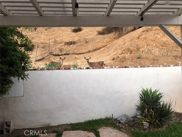 8528 Bluffdale Drive, Sun Valley CA: http://media.crmls.org/medias/bccd9947-bdf3-4c8e-b3aa-5ae0e3138526.jpg