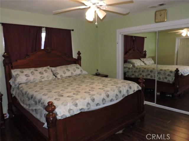 16530 Kayuga Street, Victorville CA: http://media.crmls.org/medias/bcdfa914-b085-4312-9fb4-2805f1e7677d.jpg