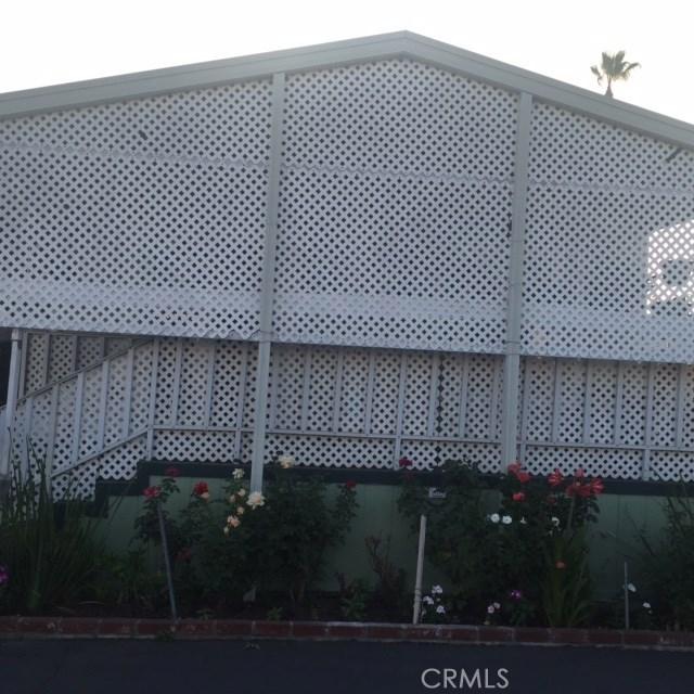16601 S Garfield Avenue, Paramount CA: http://media.crmls.org/medias/bce01a73-b160-47d1-b03b-144ef7337790.jpg