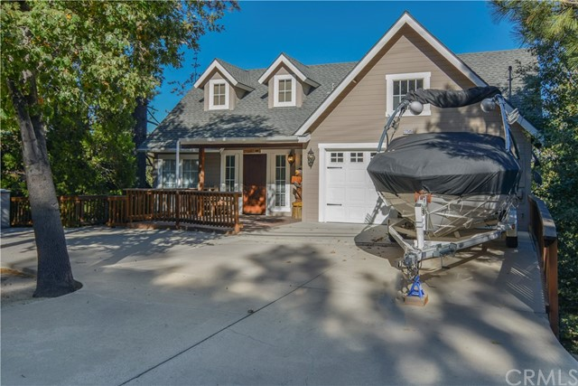27505 North Bay Road, Lake Arrowhead CA: http://media.crmls.org/medias/bcfe61d4-08bc-4441-bb1d-53127964095e.jpg