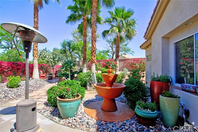 78936 Spirito Court, Palm Desert CA: http://media.crmls.org/medias/bd0167fc-21fd-4995-a0fc-c1d8c09ab3b8.jpg