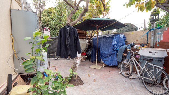 12111 Washington Pl, Los Angeles, CA 90066 photo 9