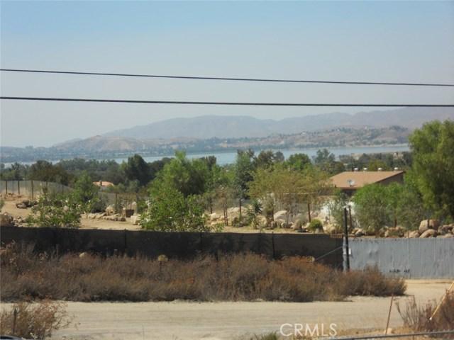 34650 Borchard Road, Lake Elsinore CA: http://media.crmls.org/medias/bd10b326-bfa4-45e2-a35a-3842b9193e52.jpg