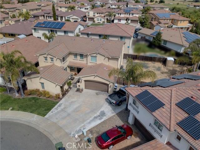 2057 Canon Persido Court, Atwater CA: http://media.crmls.org/medias/bd14faa8-7ff2-4f81-b78b-7cfcc133fe61.jpg