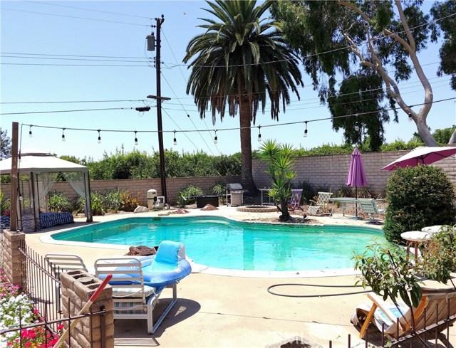 386 Deborah Court, Upland CA: http://media.crmls.org/medias/bd1e0683-86b4-40f9-a6fb-c5be525cd43d.jpg