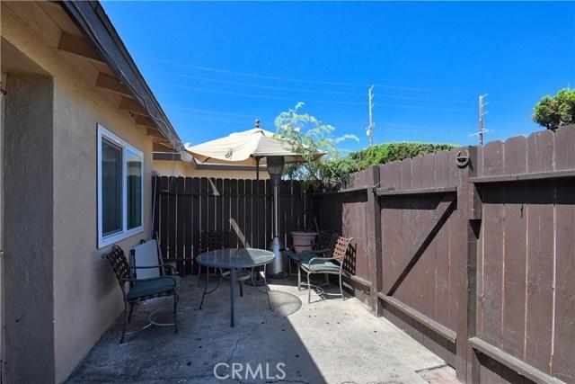 2077 Wallace Avenue, Costa Mesa CA: http://media.crmls.org/medias/bd2c8be3-41c9-43e3-9c86-48aab3ea51b9.jpg
