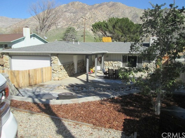 Single Family Home for Sale at 330 Burlando Rd. Kernville, California 93238 United States