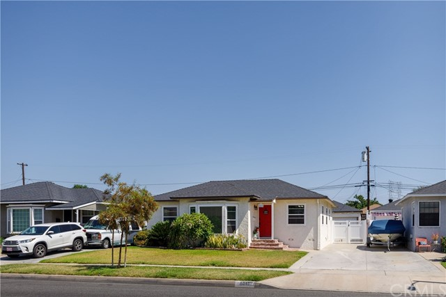 6017 Eberle Street, Lakewood CA: http://media.crmls.org/medias/bd52a68d-bcb9-4bf5-9cd7-544cd71bfb7c.jpg