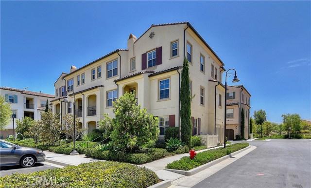 226 Capricorn, Irvine CA: http://media.crmls.org/medias/bd7b7dd1-ed07-4a44-9795-65f83400bc2d.jpg