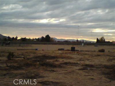26363 Oriole Street, Apple Valley CA: http://media.crmls.org/medias/bd8b069b-612c-4d1f-b2e7-54d816b32f75.jpg