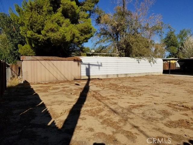 24136 Sage Avenue, Boron CA: http://media.crmls.org/medias/bd8ee2d7-8f0f-448b-93f5-320b6a3cd982.jpg
