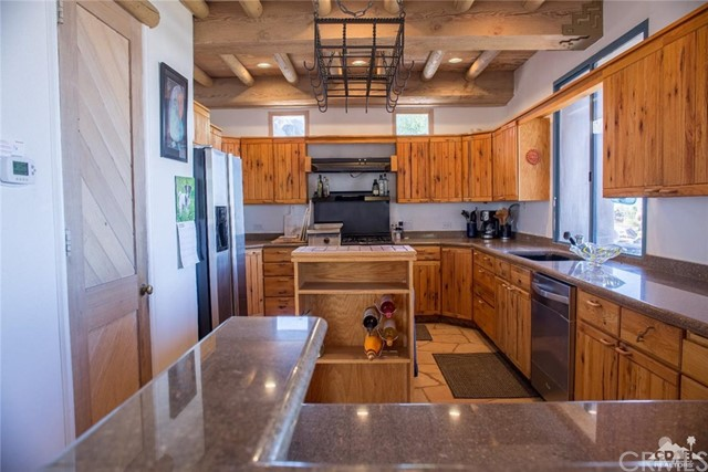 56830 Indian Springs Road, Mountain Center CA: http://media.crmls.org/medias/bd9fc9a2-c8bc-441f-9e4c-b8f60a40bde9.jpg