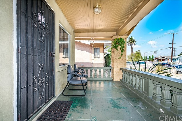 1308 W 54th Street Los Angeles, CA 90037 - MLS #: DW17214031