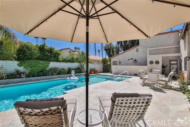 59 Sierra Madre Way, Rancho Mirage CA: http://media.crmls.org/medias/bdb627da-f56f-4b8c-90bf-164384035050.jpg