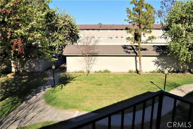 985 S Idaho Street, La Habra CA: http://media.crmls.org/medias/bdba790e-a3f5-4f07-b2a2-7ade2a0cb84a.jpg