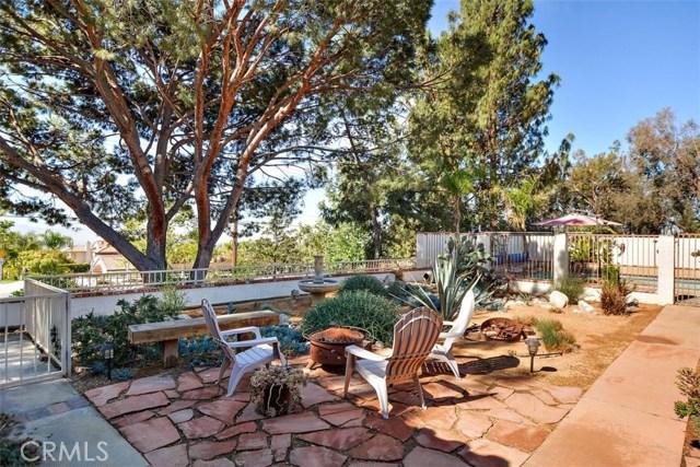 10425 Poplar Street, Rancho Cucamonga CA: http://media.crmls.org/medias/bdbec98f-82da-46c9-b740-f45104a6db11.jpg