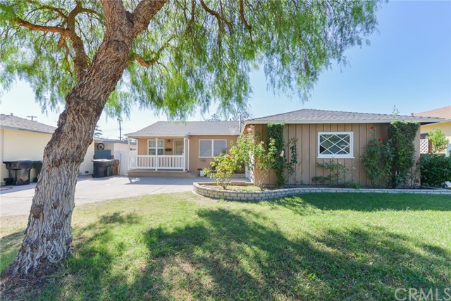 Single Family Home for Sale at 12681 Glen St Garden Grove, California 92840 United States