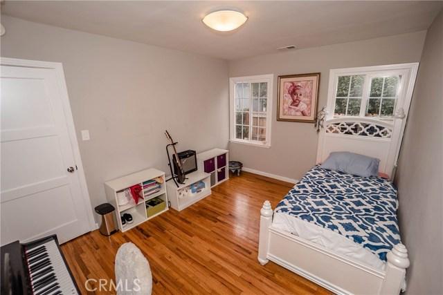 5231 Norwich Avenue, Sherman Oaks CA: http://media.crmls.org/medias/bdca5127-000a-44be-9f20-4ce1229a1a8c.jpg