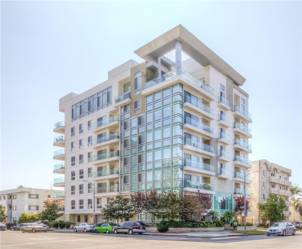 702 S SERRANO Avenue, Los Angeles CA: http://media.crmls.org/medias/bdcaf7a5-6b75-418d-93ef-f3ad3e585cf2.jpg