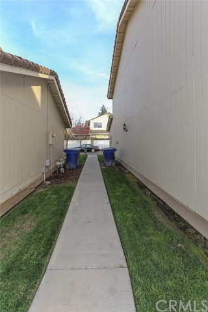 3051 Colony Park, Merced CA: http://media.crmls.org/medias/bddcedef-34b5-43b5-9200-a9d277807ac2.jpg