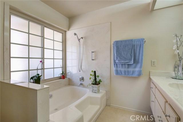 995 W 15th Street, Upland CA: http://media.crmls.org/medias/bde4ebd5-1aa1-4504-89f0-23a155129691.jpg