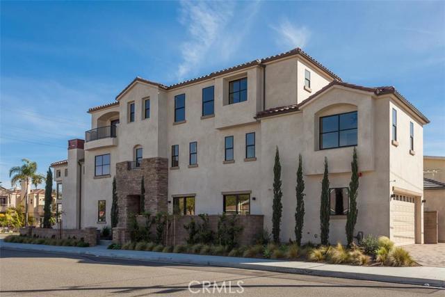 Single Family Home for Sale at 1019 Delaware Street Huntington Beach, California 92648 United States