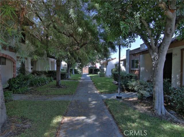 2156 S Balboa Plaza, Anaheim CA: http://media.crmls.org/medias/bdfe8305-2b0c-4e12-ac70-d2a6989e7f7d.jpg
