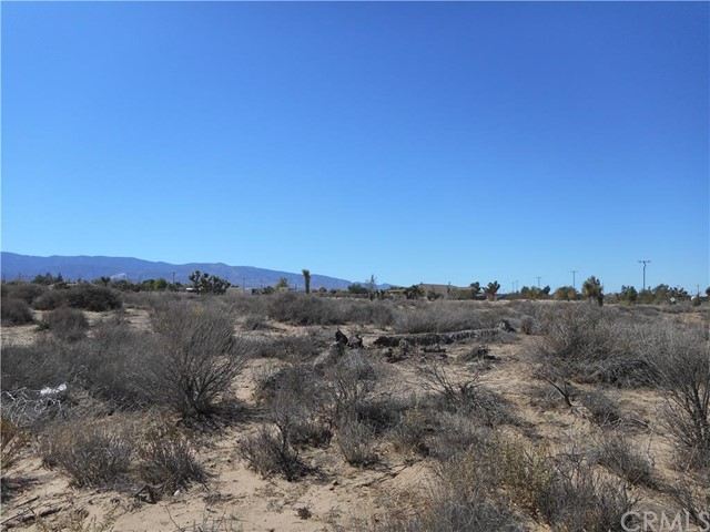 0 Nevada, Phelan CA: http://media.crmls.org/medias/be0decf0-aa54-4907-9a58-ec88a1d8dd13.jpg