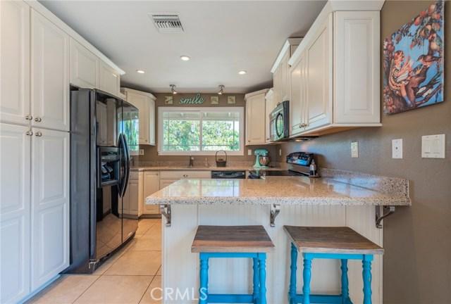 714 Ardmore Avenue, Redlands CA: http://media.crmls.org/medias/be174a60-a4ac-4d66-b309-e0dcde803096.jpg