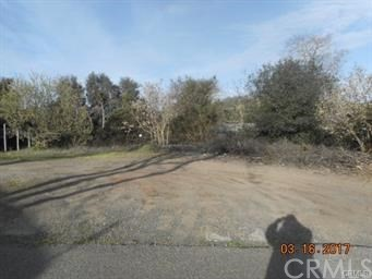 3381 10th Street, Clearlake CA: http://media.crmls.org/medias/be223877-2479-429e-a62a-301650625ed0.jpg