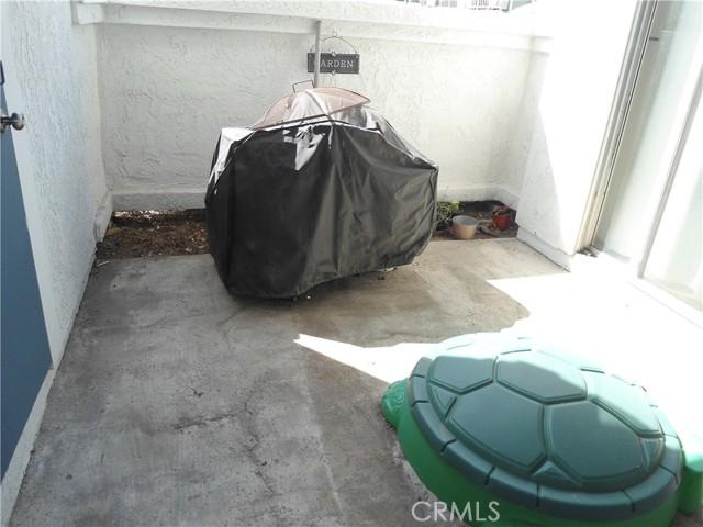 12068 Sylvan, Fountain Valley CA: http://media.crmls.org/medias/be4538c4-1a4d-4c76-9b55-01418d5681ee.jpg