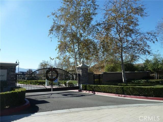 14460 runyon Drive, Eastvale CA: http://media.crmls.org/medias/be4586cc-c2ca-4b7f-a9cb-0233af18e08c.jpg
