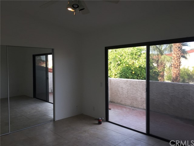 646 S Calle Petunia, Palm Springs CA: http://media.crmls.org/medias/be50e456-71ce-4038-904d-e57771767606.jpg