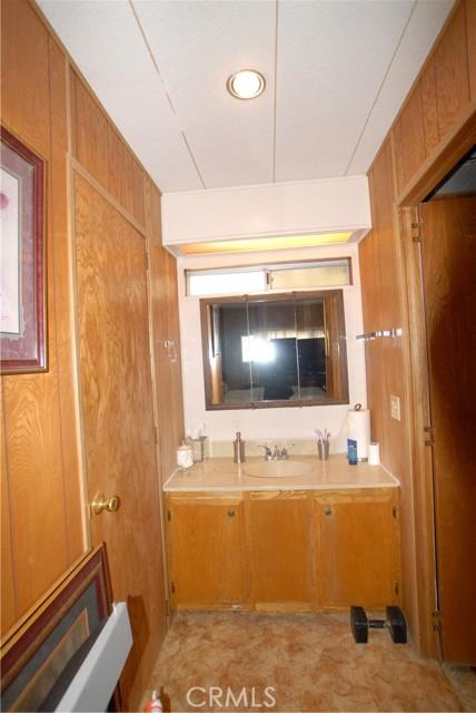 881 N. Lake Street, Sp. 220, Hemet CA: http://media.crmls.org/medias/be567422-0671-4879-be95-9345032fb4dd.jpg
