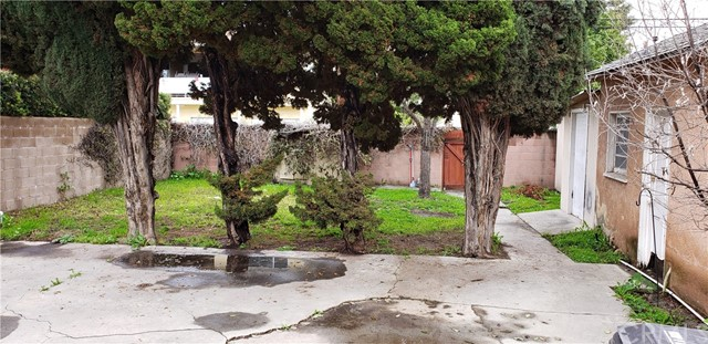 4334 Montair Avenue, Long Beach CA: http://media.crmls.org/medias/be5cdc11-9f6f-46ac-b1ab-642c6436054f.jpg