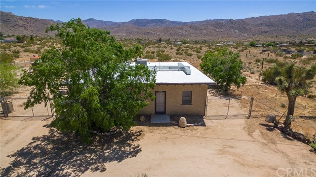 63449 Rocking Chair Road, Joshua Tree CA: http://media.crmls.org/medias/be6ddd39-8f8c-4d39-95a0-f8fdae13bf05.jpg